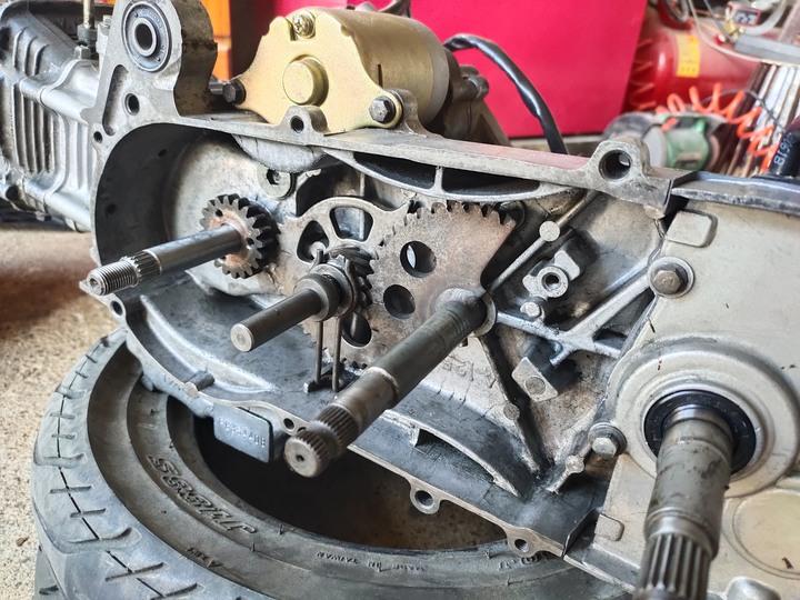 教父親如何拆裝機車引擎(車種-三陽-舊迪爵125)(2021/09)7947