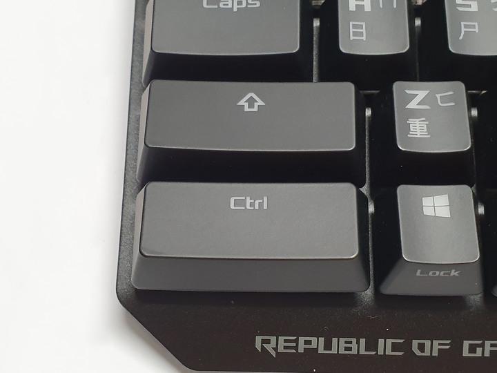 經典造型全新鍵軸,ROG Strix Scope NX 機械式鍵盤開箱試用