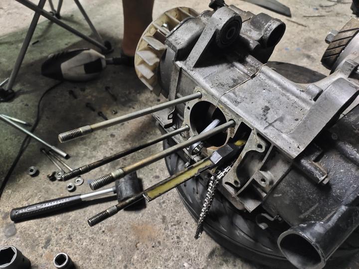 教父親如何拆裝機車引擎(車種-三陽-舊迪爵125)(2021/09)482
